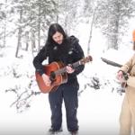 野生のオオカミとミュージシャンがコラボセッション!Youtubeで83万回再生以上されている超神秘的な動画!